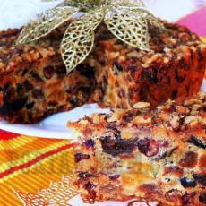 Пряный ароматный выдержанный рождественский кекс с орехами и сухофруктами