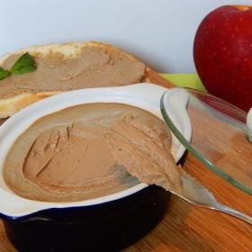 Нежный паштет из печени и яблок.