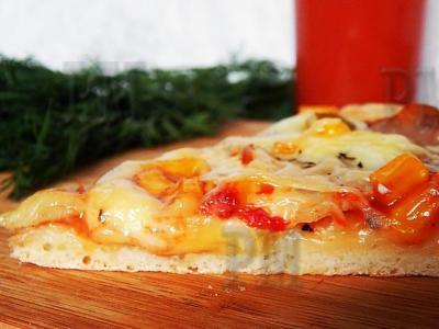 Это тесто универсально. Подойдет и для пирогов, и для пирожков, и для булочек, но просто идеально оно подходит для пиццы.